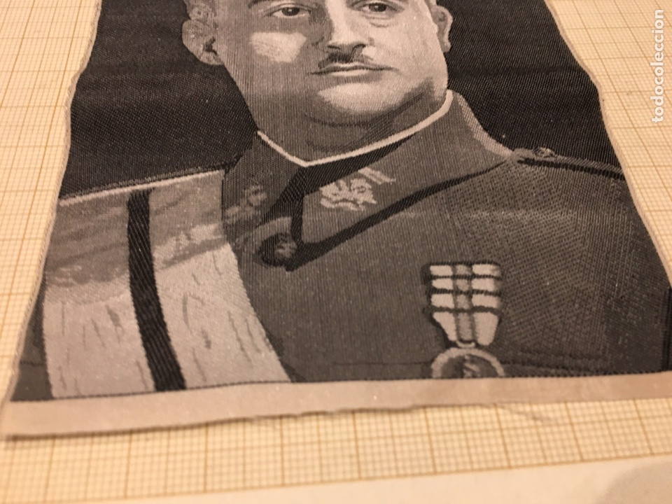 Militaria: Foto en Seda de Franco de los años 40. - Foto 5 - 190904176