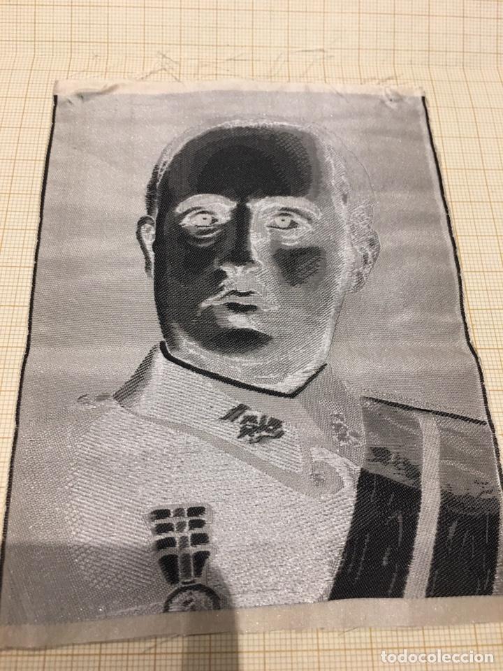 Militaria: Foto en Seda de Franco de los años 40. - Foto 6 - 190904176