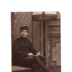 Militaria: FOTOGRAFÍA SOLDADO ESPAÑOL. ALFONSO XIII. 8X13.. Lote 191111620