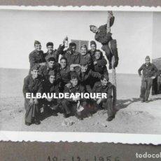 Militaria: SOLDADOS DEL CUARTEL DE POLLENSA. MALLORCA AÑO 1956. 10 X 7 CM. Lote 191356450