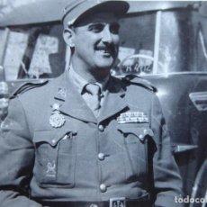 Militaria: FOTOGRAFÍA CAPITÁN LEGIONARIO. PLACA AL MÉRITO INTERVENTOR. Lote 191386457