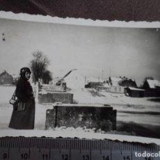 Militaria: SOLDADO WEHRMACHT CON CASCO M-35 EN PAISAJE NEVADO. Lote 191635478