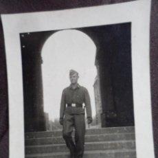 Militaria: SOLDADO LUFTWAFFE BAJANDO ESCALERAS. Lote 191831110