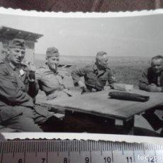 Militaria: SOLDADOS WEHRMACHT A LA MESA. Lote 191832076
