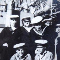 Militaria: FOTOGRAFÍA MARINEROS ARMADA. CRUCERO GALICIA. Lote 192678067