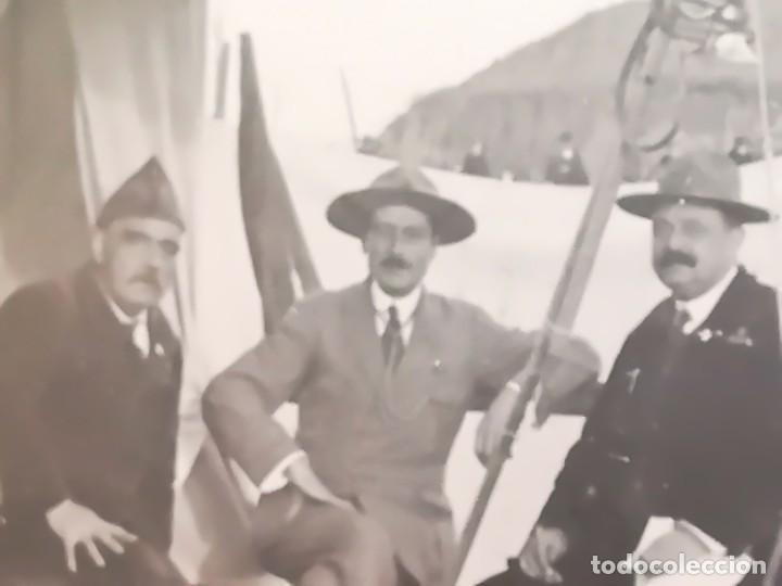 Militaria: BOY SCOUTS,EXPLORADORES DE BARCELONA,FOTOGRAFIA ORIGINAL POSIBLEMENTE BADEN POWELL,AÑO 20 CAMPAMENTO - Foto 3 - 192817231