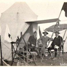 Militaria: BOY SCOUTS,EXPLORADORES DE BARCELONA,FOTOGRAFIA ORIGINAL POSIBLEMENTE BADEN POWELL,AÑO 20 CAMPAMENTO. Lote 192817231