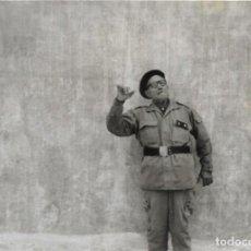 Militaria: == G801 - FOTOGRAFÍA - SIMPATICO ABUELO VESTIDO DE MILITAR. Lote 193239700