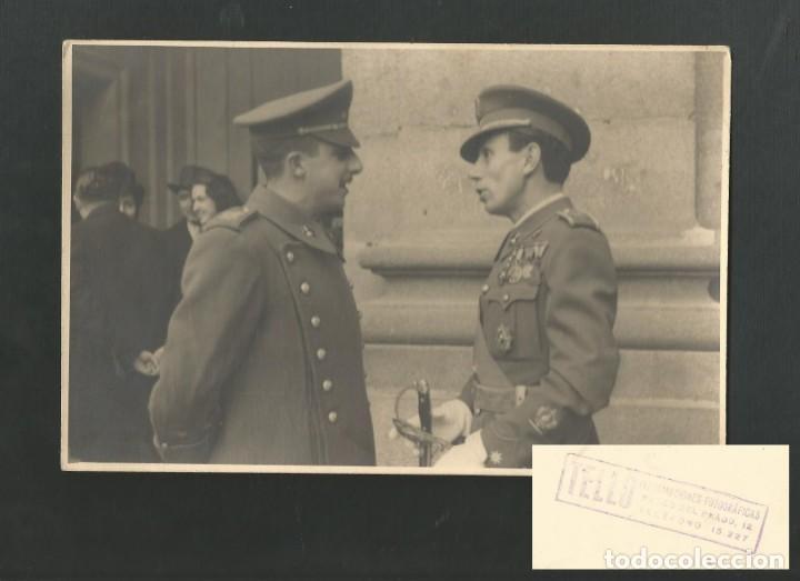 FOTOGRAFIA FRANCISCO FRANCO EN EL PALACIO DE EL PARDO (MADRID) FOTO TELLO PASEO DEL PRADO 12 (Militar - Fotografía Militar - Guerra Civil Española)