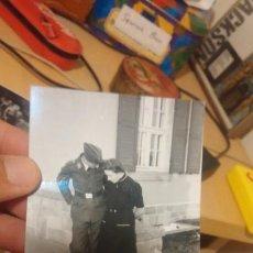 Militaria: SOLDADO NAZI CON NOVIA FOTO REVELADA DE NEGATIVO ORIGINAL. Lote 194224338