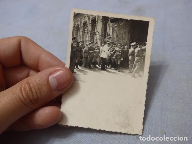 * ANTIGUA FOTOGRAFIA MILITAR Y POLICIA ARMADA DE ALTO RANGO, AÑOS 40, ORIGINAL. ZX (Militar - Fotografía Militar - Guerra Civil Española)