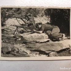 Militaria: MILITAR. FOTOGRAFÍA. LEGIONARIOS EN EL CAMPO DE TIRO (17 DE JULIO DE 1948) MEDIDAS: 8 X 5,5 CM.,. Lote 194246408