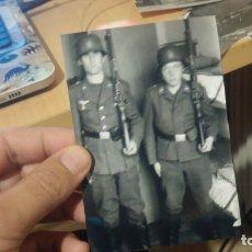 Militaria: DOS SOLDADOS NAZI. Lote 194334125