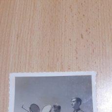 Militaria: FOTO DE DOS SOLDADOS DE TRANSMISIONES CON HELIOGRAFO-1940. Lote 194346075