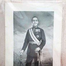 Militaria: RETRATO DE ALFONSO XIII CON FIRMA ORIGINAL DE ALFONSO XII DE 1920.. Lote 194601252