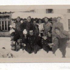 Militaria: FOTOGRAFÍA ANTIGUA, GRUPO DE MILITARES.. Lote 194612291