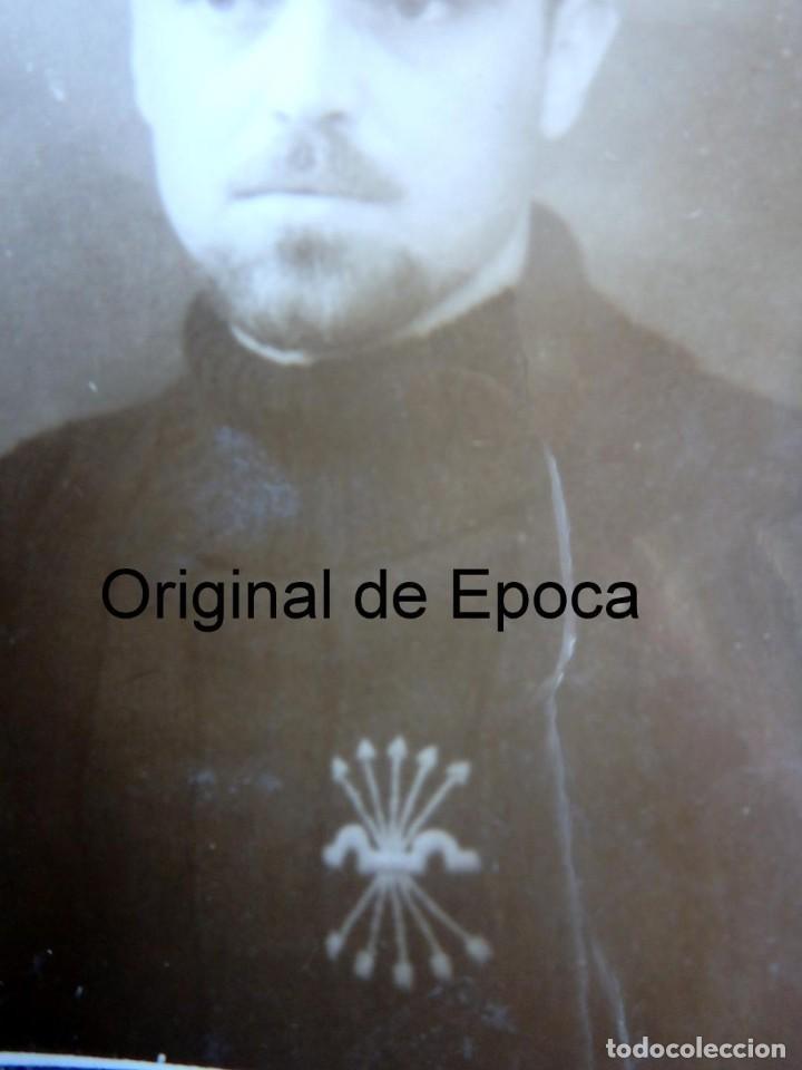 Militaria: (JX-200200)Fotografía de Falangista , Palma de Mallorca , Guerra Civil . Medidas 5,50 cm x 8,00 cm . - Foto 2 - 194864880