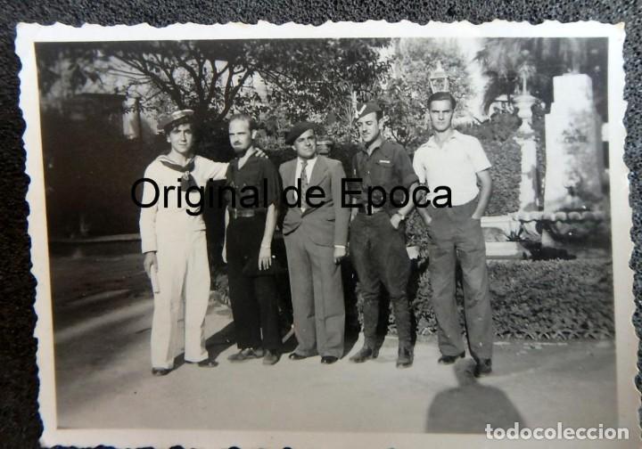 (JX-200202)FOTOGRAFÍA DE SOLDADOS,FALANGISTAS Y MARINO (RADIOTELEGRAFOS )GUERRA CIVIL,PALMA DE MALLO (Militar - Fotografía Militar - Guerra Civil Española)
