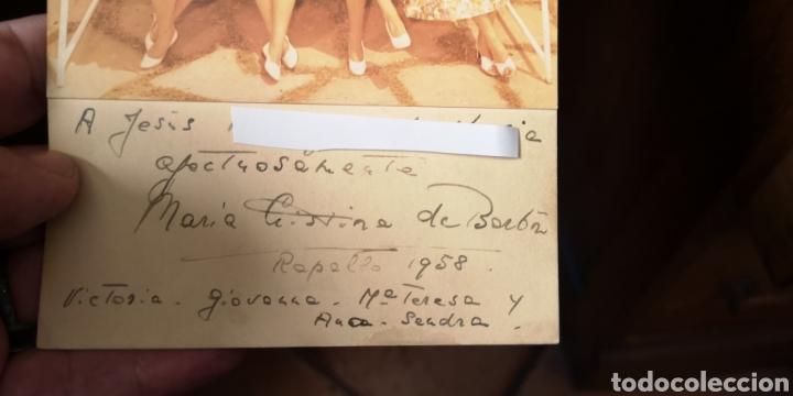 Militaria: Fotografía de María Cristina de Borbón y sus hijas, año 1958, dedicada autografiado - Foto 2 - 194871031