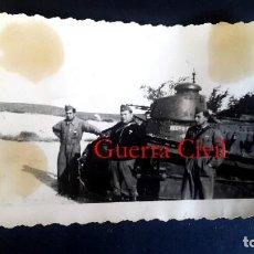 Militaria: TANQUE - GUERRA CIVIL - 3 FOTOGRAFÍAS. Lote 194985227