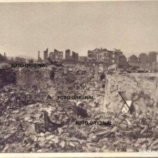 Militaria: GUERNICA (VIZCAYA) TRAS EL BOMBARDEO FUERZAS LEGION CONDOR GUERRA CIVIL. Lote 195020158