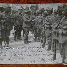 Militaria: FOTOGRAFIA DE LA GUERRA DEL RIF, MELILLA 1922, EL GENERAL SANJURJO DESPIDIENDO A LOS LEGIONARIOS QU. Lote 195182975