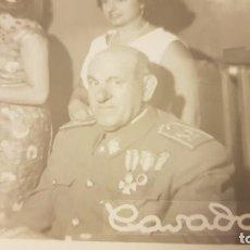 Militaria: FOTOGRAFÍA BODA MILITAR EJÉRCITO ESPAÑOL. AÑOS 60. LOGROÑO. Lote 195209197