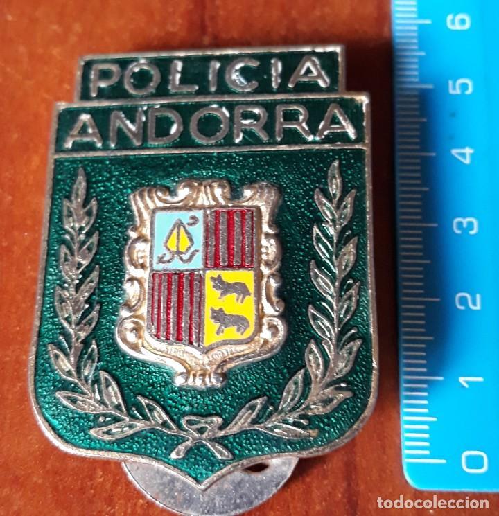 CHAPA ORIGINAL POLICIA DE ANDORRA (Militar - Fotografía Militar - Otros)