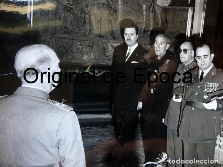 Militaria: (JX-200259)Fotografía D.Francisco Franco,Jefe del Estado Español CON D.LUYS DE SANTA MARINA - Foto 2 - 195347662