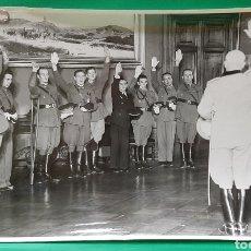 Militaria: RECEPCIÓN A ESPAÑOLES DE MUSSOLINI, DUCE. PALACIO VENECIA DE ROMA. GRAN TAMAÑO 31 X 21 CMS.. Lote 195415477