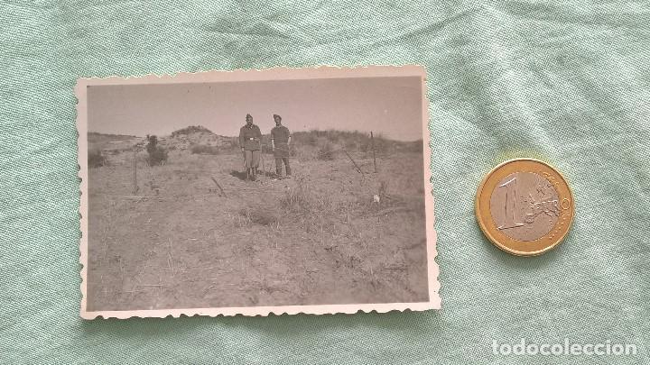 GUERRA CIVIL..SOLDADOS CON ALAMBRADAS. (Militar - Fotografía Militar - Guerra Civil Española)