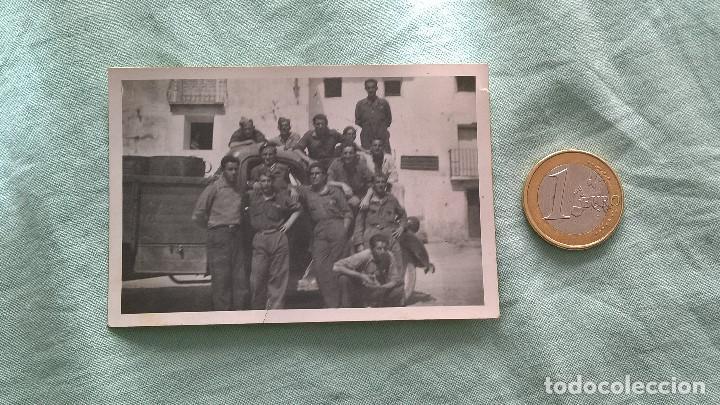 FOTO GUERRA CIVIL.. GRUPO SOLDADOS SUBIDOS A UN CAMION (Militar - Fotografía Militar - Guerra Civil Española)