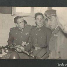 Militaria: ANTIGUA FOTOGRAFIA MILITAR FOTO MARTIN VALLADOLID. Lote 195526650