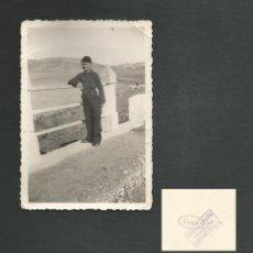Militaria: ANTIGUA FOTOGRAFIA MILITAR NIÑO SELLO DEFENSA ARMADA CENSURA FOTOGRAFICA. Lote 195526692