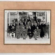 Militaria: MELILLA.- MILITARES DISTINTOS CUERPOS PORTANDO MEDALLÓN DE LA CIUDAD DE MELILLA. MEDALLA INDIVIDUAL.. Lote 196155262