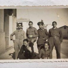 Militaria: MILITAR. FOTOGRAFÍA . GRUPO DE JÓVENES MILICIANOS (A.1935), MEDIDAS: 8,5 X 6 CM.,. Lote 197370275