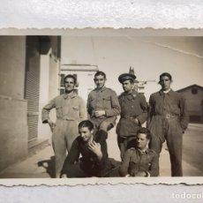Militaria: MILITAR. FOTOGRAFÍA . GRUPO DE JÓVENES MILICIANOS (A.1935), MEDIDAS: 8,5 X 6 CM.,. Lote 197370335
