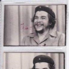 Militaria: 6 MINI FOTOGRAFIAS DEL CHE GUEVARA TOMANDO UN CAFE Y FUMANDO UN PURO (DETRÁS SELLO DE FALANGE). Lote 197401331