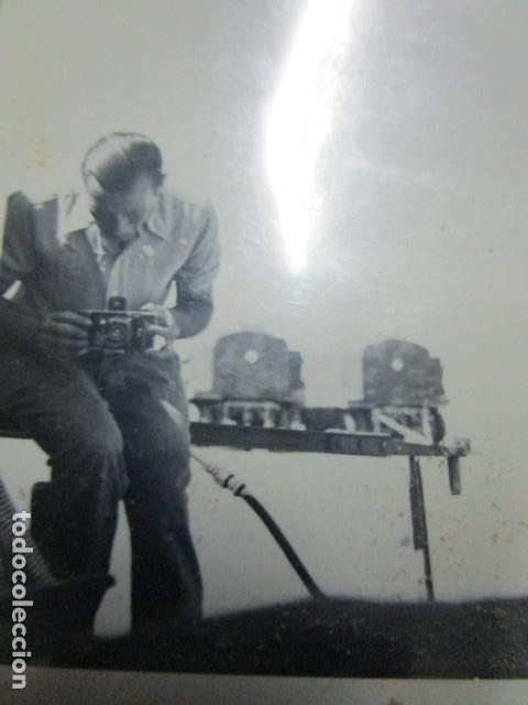 ANTIGUA FOTO GUERRA CIVIL ESPAÑA DEUTSCHER FOTOGRAF MILITAR LEGION CONDOR CON SUS CAMARAS CIRCA 1939 (Militar - Fotografía Militar - Guerra Civil Española)