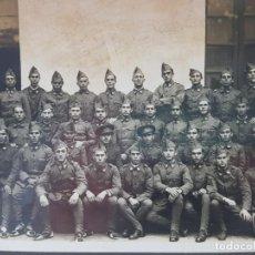 Militaria: FOTOGRAFÍA COMPAÑIA MILITAR LEGION ESPAÑOLA POSANDO. Lote 199127567