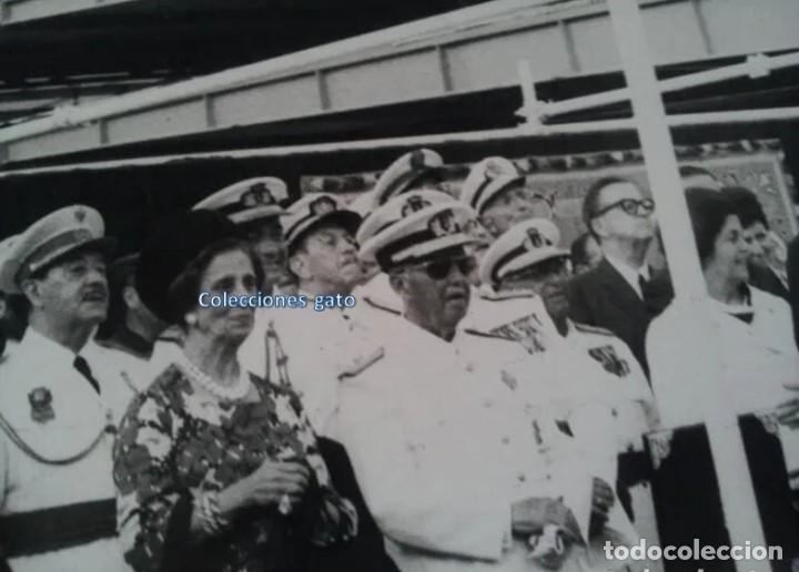 Militaria: 4 FOTOGRAFIAS OFICIALES DEL GENERAL FRANCISCO FRANCO - LANZAMIENTO DEL BUQUE BALEARES - Foto 6 - 160508926