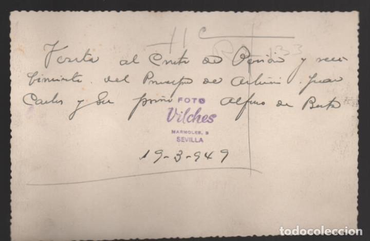 Militaria: SEVILLA,- PRINCIPE DE ASTURIAS,JUAN CARLOS Y SU PRIMO ALFONSO DE BUSTO, FOTO: VILCHES.-AÑO 1949, VER - Foto 2 - 200391268