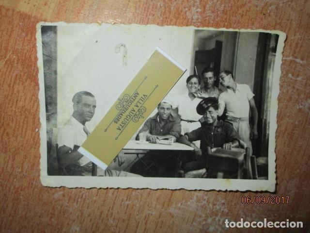 LOS ALCAZARES SAN JAVIER CONDUCTOR PILOTO EN GARAJE GUERRA CIVIL 1938 HACIENDO CINE EL RELICARIO (Militar - Fotografía Militar - Guerra Civil Española)