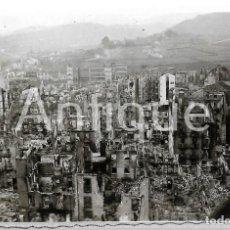 Militaria: 1937 FOTOGRAFÍA ORIGINAL. GUERRA CIVIL BOMBARDEO GUERNICA / GERNIKA. VIZCAYA. SOLDADO LEGION CÓNDOR. Lote 202625780