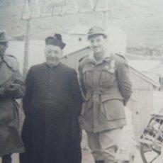 Militaria: FOTO OFICIAL TROPAS DE MONTAÑA MEDALLA MILITAR INDIVIDUAL, PATER, ETC. LA MOLINA, 1952. Lote 202937153