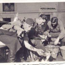 Militaria: FOTO PENDUELES (CANTABRIA) PREPARAR COMIDA OFICIAL LEGION CONDOR FRENTE NORTE GUERRA CIVIL. Lote 204432358