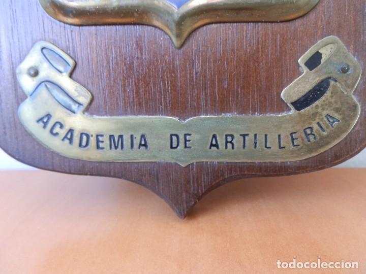 Militaria: ANTIGUA METOPA MILITAR. ACADEMIA DE ARTILLERIA. MADERA Y HOJALATA. MIDE 20 X 14,50 cm - Foto 3 - 205038326