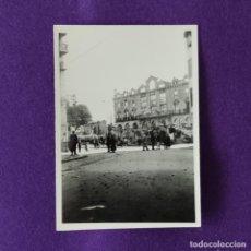 Militaria: FOTOGRAFIA ORIGINAL DE LA GUERRA CIVIL. BOMBARDEO DE AMOREBIETA. 31 DE MARZO DE 1937.. Lote 206455298