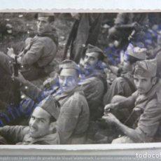 Militaria: FOTOGRAFÍA ANTIGUA. MILITARES. ALCOY 1941. ALICANTE ( 8,5 X 6,5 CM). Lote 207027657