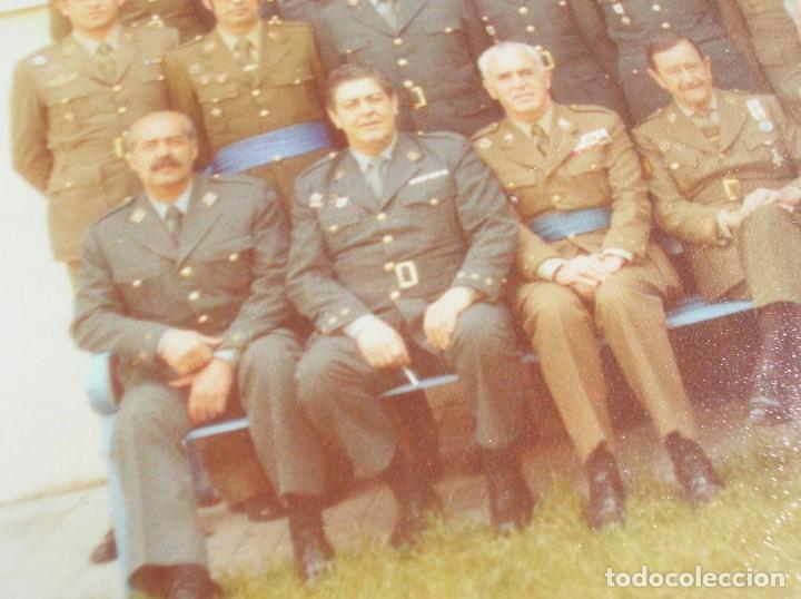 Militaria: FOTO UNICA DE LOS INTEGRANTES DEL GOLPE DE ESTADO DEDICADA POR UNO DE ELLOS. 23 F. MILANS. TEJERO. - Foto 13 - 207959111